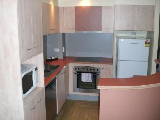 Spring Hill Central Apartments: 414 kitchen