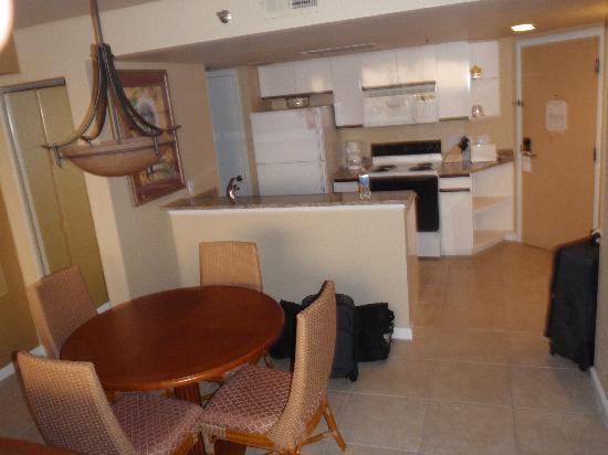 Westgate Towers Resort: Kitchen area