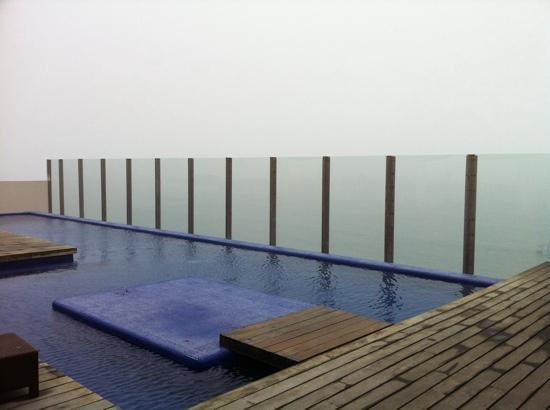 Rosarito Beach Hotel: pool at the new tower rooftop