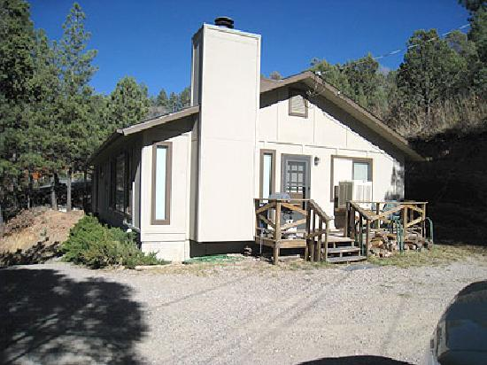 Casas of 4 Seasons: 'English' - 3 Bed, 2 Bath Ruidoso Cabin