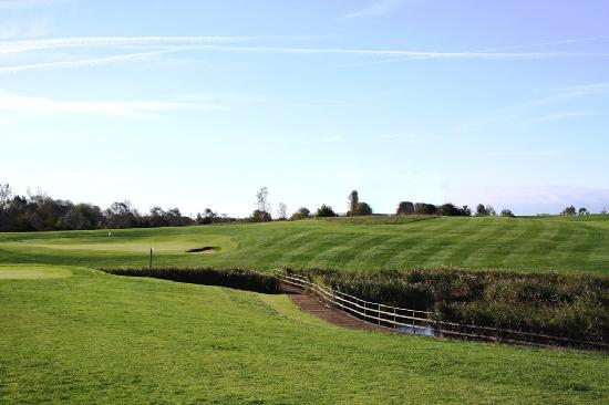 Stonelees Golf Centre : The 8th green on the Heights course