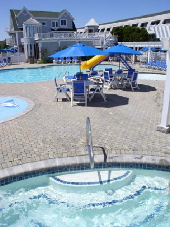 Anchorage Inn: Main Outdoor Pool Area