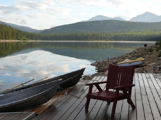 Patricia Lake Bungalows Resort : Patricia Lake just steps away from the bungalows