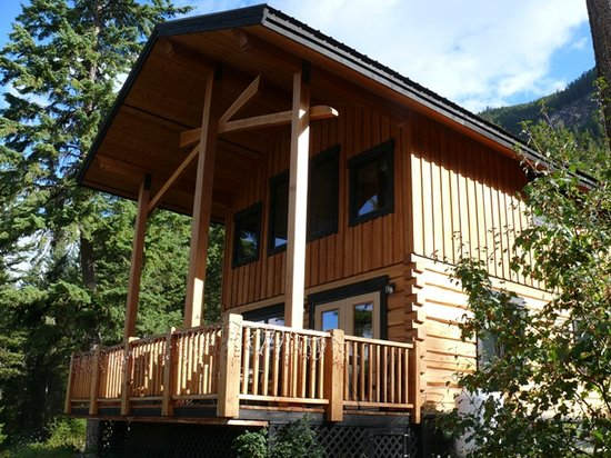 Mount 7 Lodges : Beautiful Golden Lodge