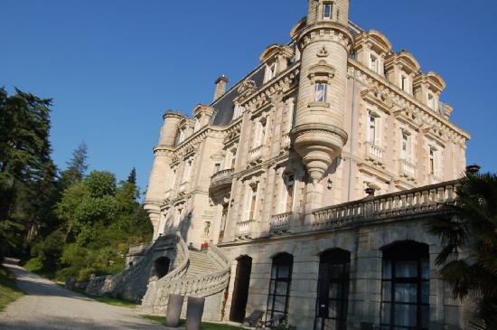 Vals-les-Bains, Frankrike: Le Château Vu du Parc