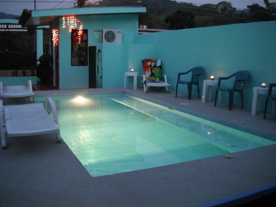 Villa Sunni Daze: Relax in the Spa-Pool after sightseeing!