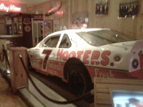 Hooters Casino Hotel: hooters sponser nasscar