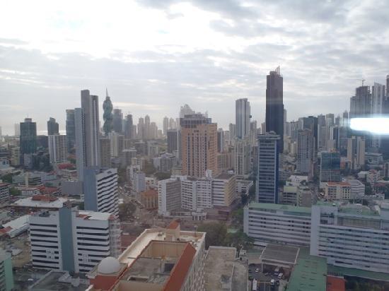 توري دي ألبا هوتل آند سويتس: view from the room (floor 23)