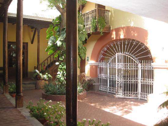 Hosteria San Roque: Main Patio and Entrance