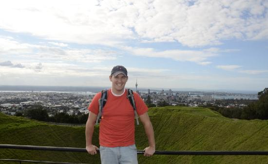 Toru - Day Tours: Enjoying the views of Auckland