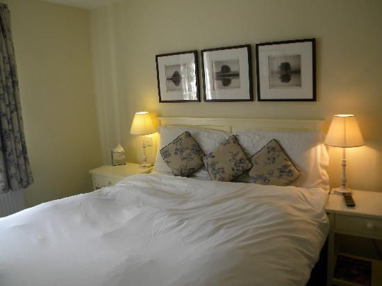 Loch Fyne Hotel Kenilworth: pretty room