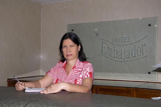 Hotel Embajador: Front Desk