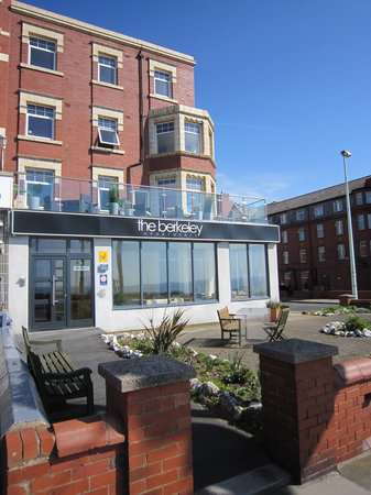The Berkeley Apartments (Blackpool, England) - Apartment ...
