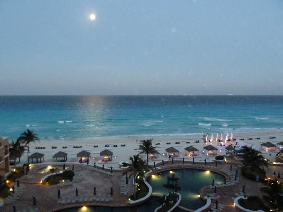 The Ritz-Carlton, Cancun : Moonlight view from our 6th floor room.