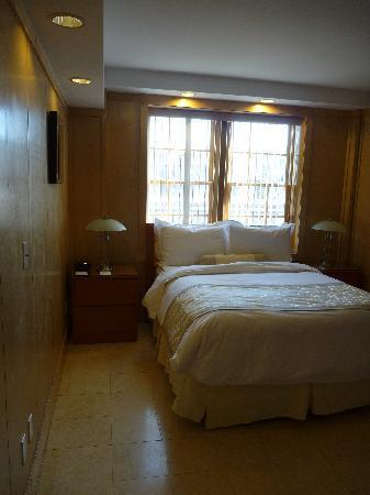 The Eldon Luxury Suites: The bedroom