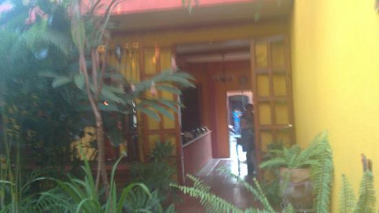 Guesthouse El Nancite : vista frontal de las habitaciones