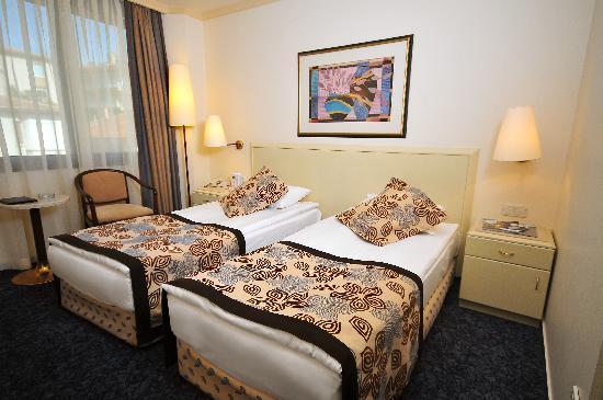Class Hotel: Oda2