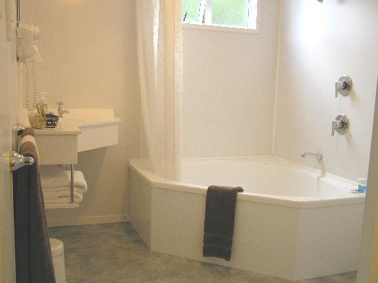 Coachman Motel: Spa Bath