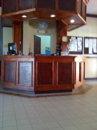 Liguanea Club : front desk