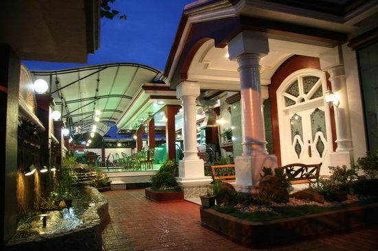 La Piscine Davao