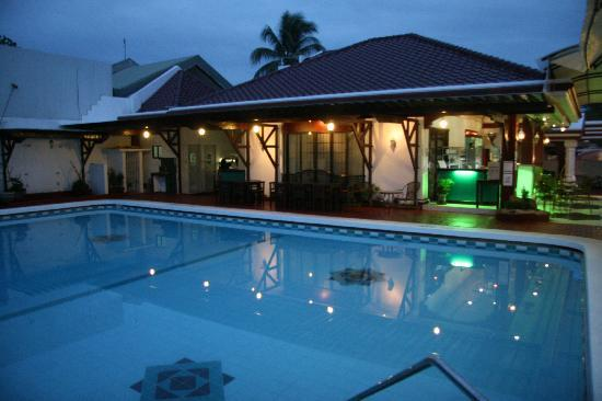 La Piscine Davao: Swimming Pool