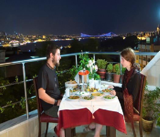Meddusa Hotel: terrace