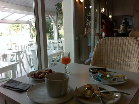 Hotel Aquitaine: petit dej