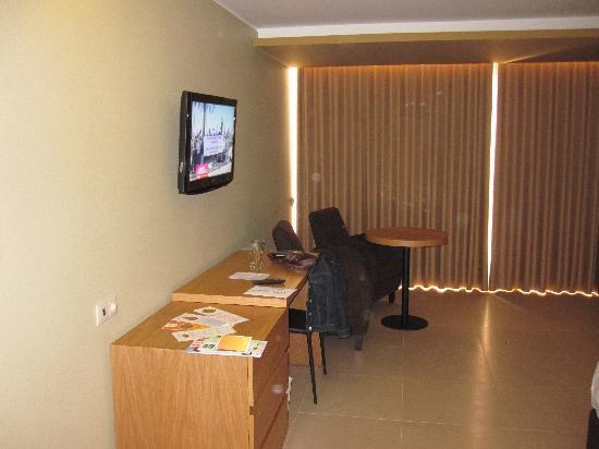 Four Views Oasis: Bedroom 2