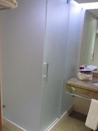 Four Views Oasis: Bathroom 3