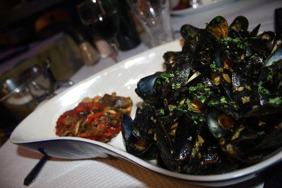 Brasserie de l'Ocean : Moules à la plancha ou devrais-je dire 1kilo d'ail et moules à la planche