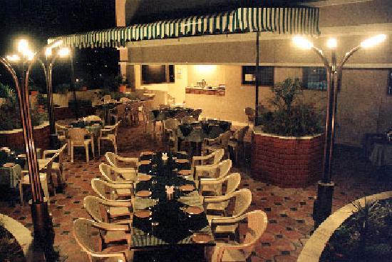 Darling Residency: Roof Garden Restaurant