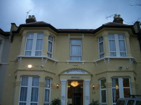 Britannia Inn: Big Front
