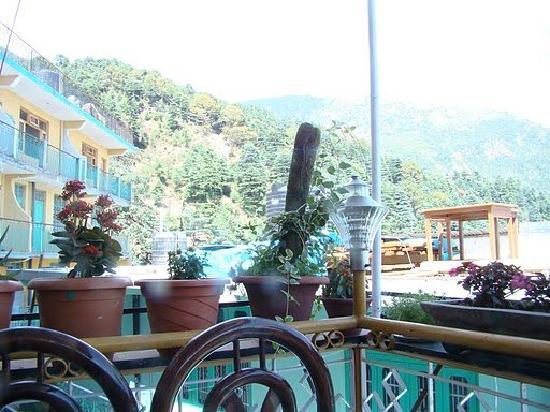 Green Hotel : Balcony Seating
