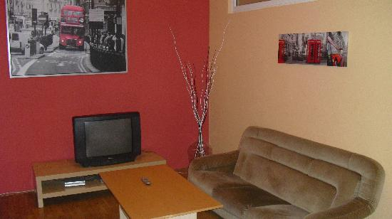 Hotel Apartments Wenceslas Square: tv :)
