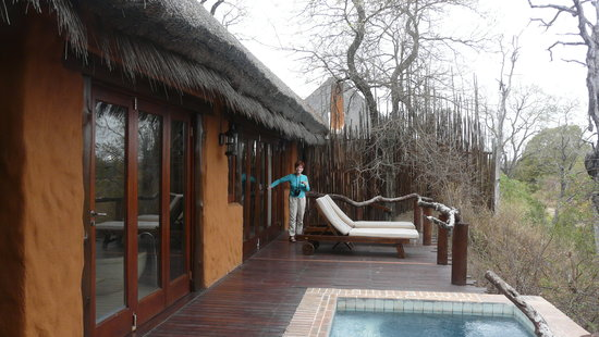 Simbambili Game Lodge: Our 5 star cottage complete with plung pool