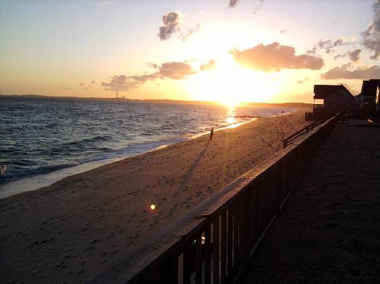Crow's Nest Resort: Sunset - looking towards Provincetown