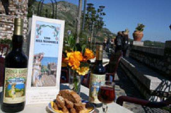 Antico Caffe San Giorgio : Vino alla Mandorla Blandanino