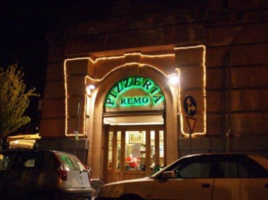 Pizzeria da Remo: esterno