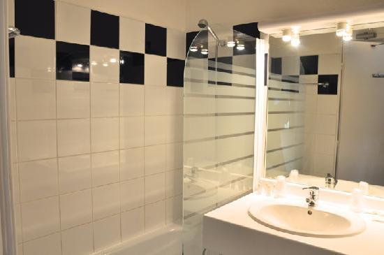 La Divonne: Salle de bain