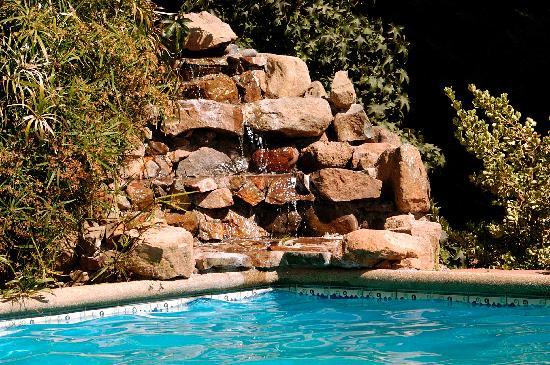 Posada Colchagua: cascada en la piscina