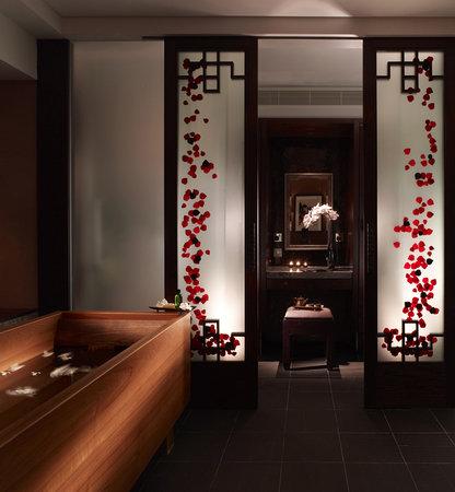 Chuan Spa: VIP Treatment Room Bath