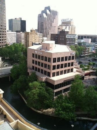 Embassy Suites by Hilton San Antonio Riverwalk-Downtown: View from my Balcony 10th Floor  Hotel directly on the Riverwalk