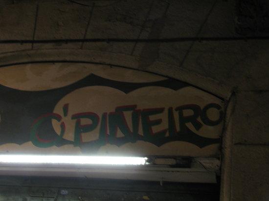 O'Pineiro : l'insegna del ristorante