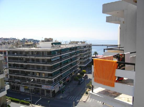 Hotel Oceanis Kavala: The view of the Aegean from my balcony.