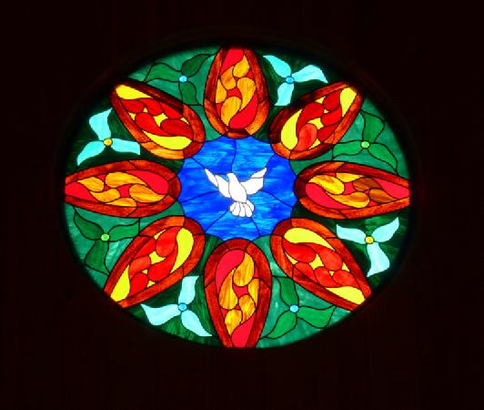 Bonne Terre Country Inn and Cafe : stained glass window in the chapel