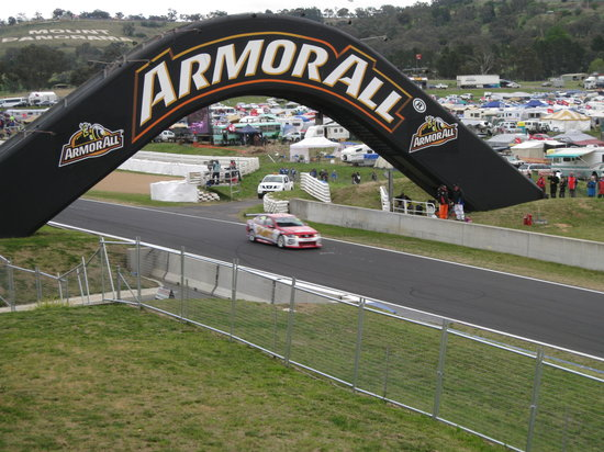 ‪Mount Panorama Motor Racing Circuit‬