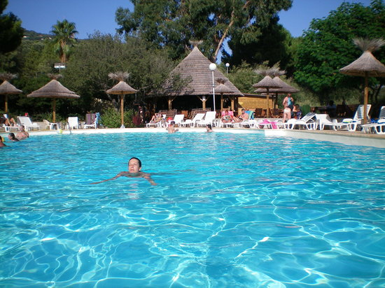 Piscine photo de camping vigna maggiore olmeto for Piscine 93