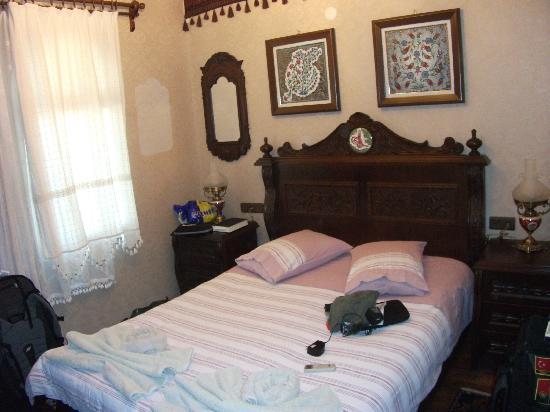 Hotel Bella: Room #5 - pretty cozy, but nice