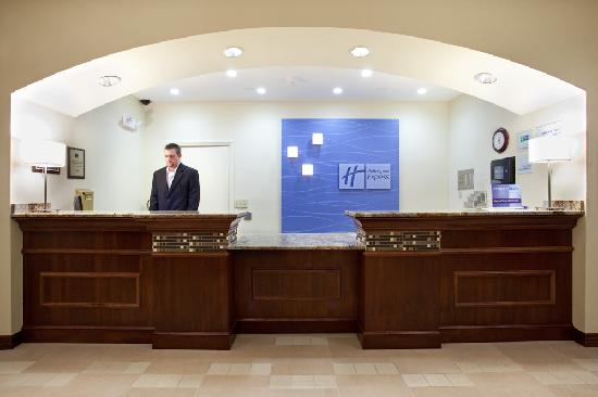 Holiday Inn Express Hotel & Suites: Denver Tech Center: Frontdesk