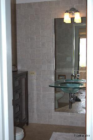 Surfsong Villa Resort: BATHROOM